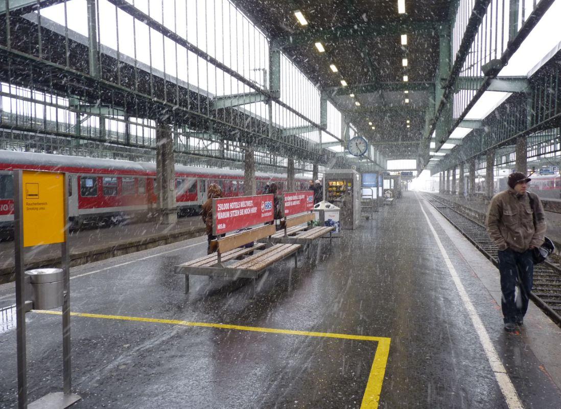 © Ralf Laternser fotografiert am 06.12.2012 im Stuttgarter Hauptbahnhof
