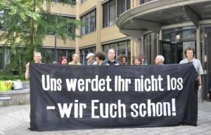 Mit Beharrlichkeit für Recht und Gesetz – gegen Stuttgart 21 – vordem Stuttgarter Amtsgericht